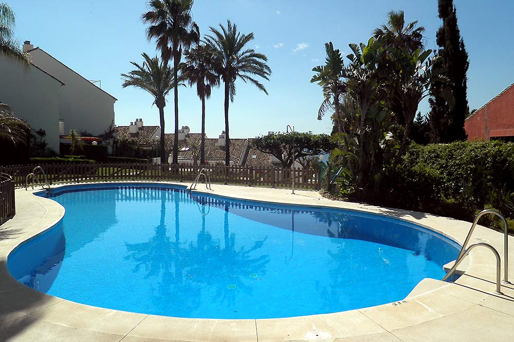 Townhouse Estepona Shared pool