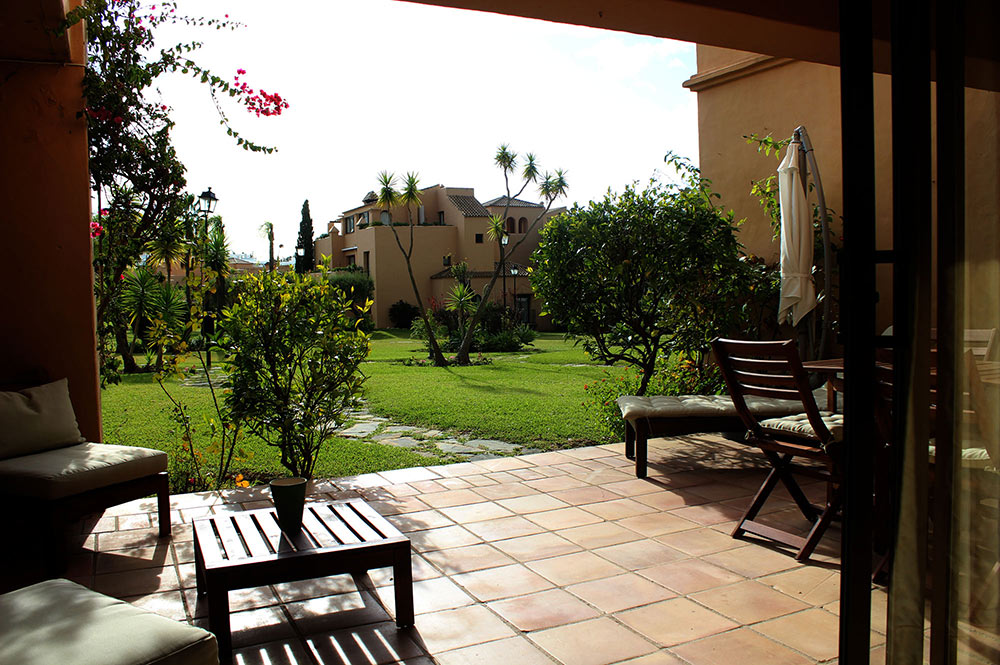 Apartment Estepona Terrace direct acces to the garden