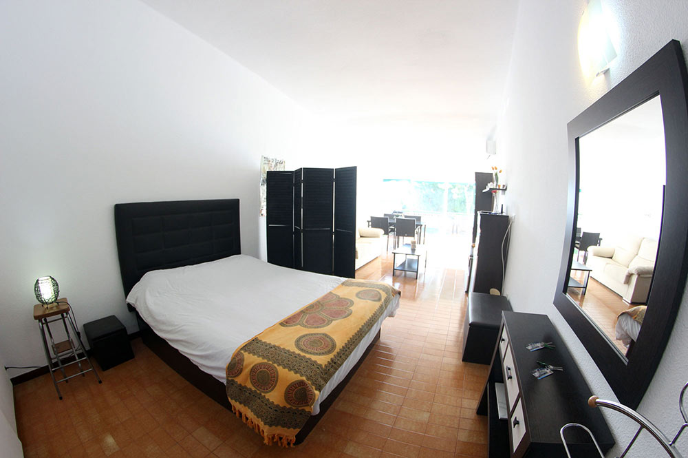 Apartment Estepona Main room double bed